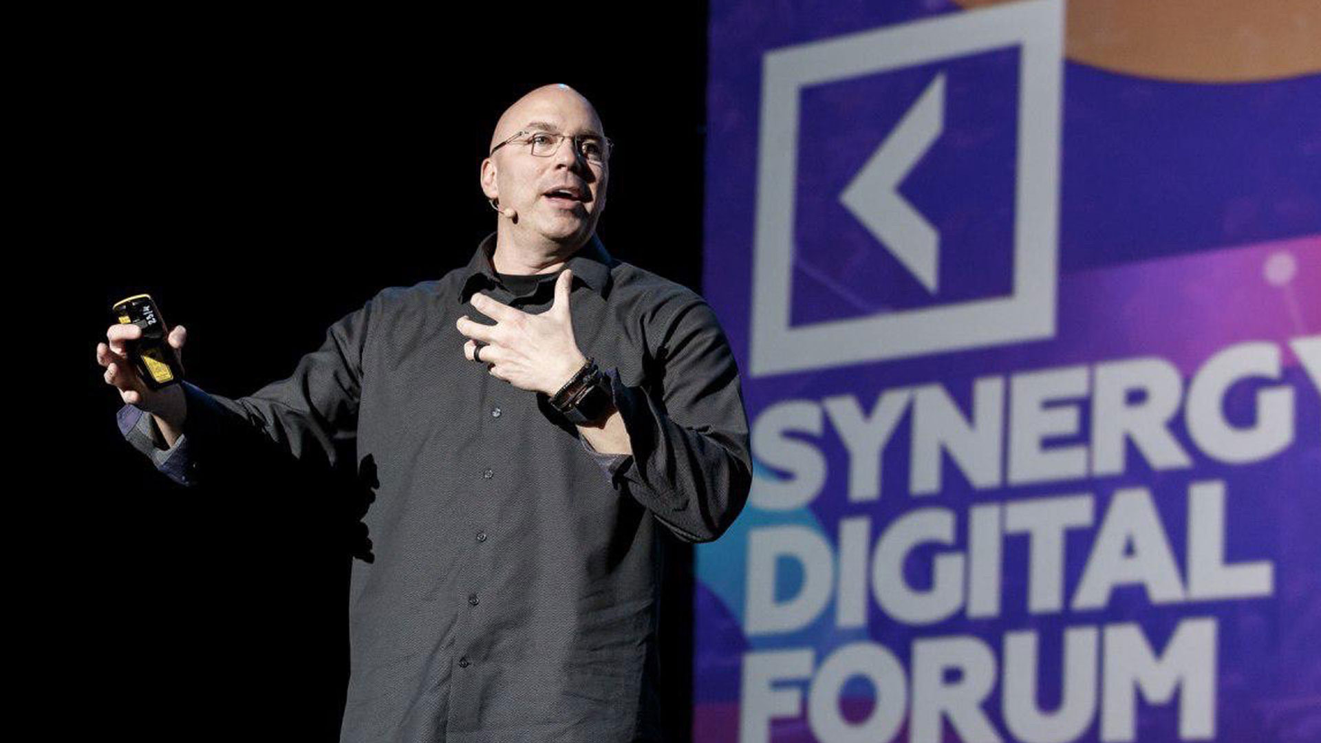 Speaking at Synergy Digital Forum 2019, Moscow, Russia